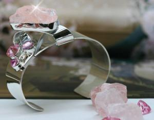 Lilly Barrack Pretty in Pink Big Rose Quartz Pink Ice Trillion B47 Bracelet Photo by Jamie Gigi  Phaedra 300x235